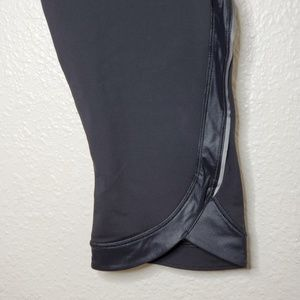lululemon athletica Pants - Lululemon Run: Chase Me Crop Leggings